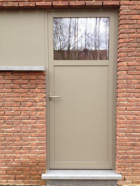 Aluminium deur